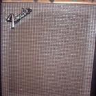 Fender Musicmaster Bass-Amp vor Reparatur